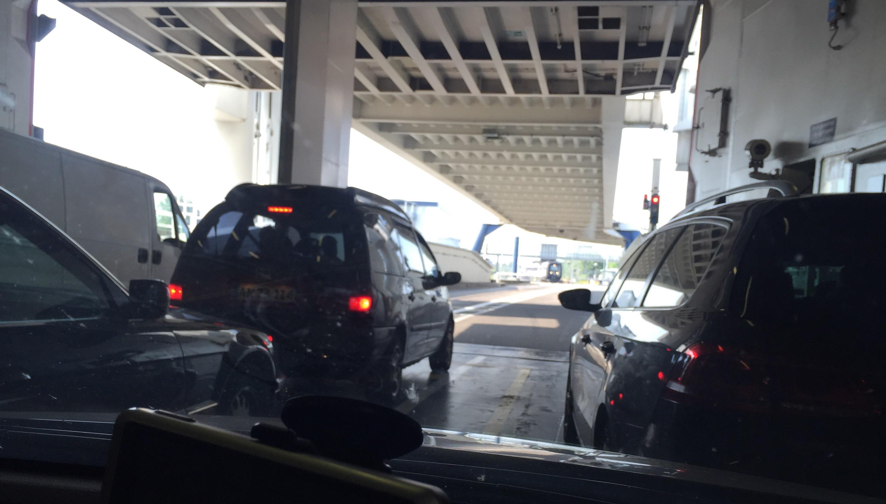 frækkepiger bus til hamborg lufthavn